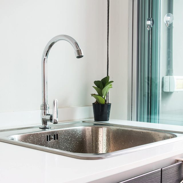 http://prohauz.bold-themes.com/plumbing/wp-content/uploads/sites/8/2018/10/gallery_projects_19-640x640.jpg